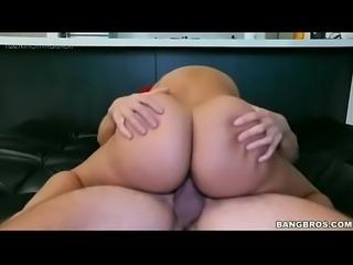 Big Booty Fudendo a  negra rabuda em casa