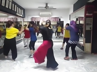 Masala bhangra with Bombay song with my studio members .mp4