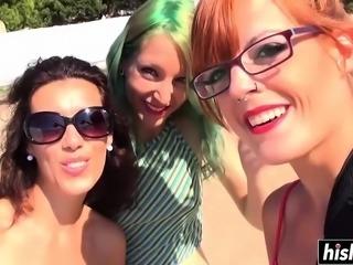 Jessica and Liz Rainbow fucked each other