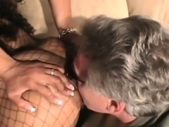 Hot girls gets her booty worshipped and licked by a guy