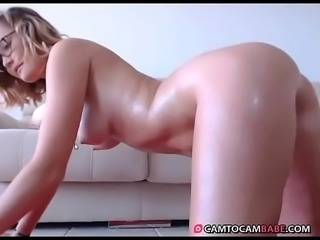 Hot girl teases smooth big ass live cam xxx