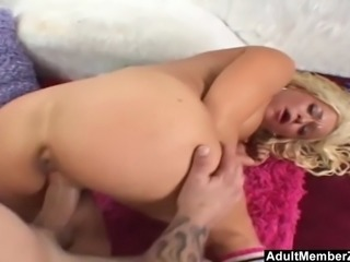 AdultMemberZone - Cheerleader gets picked up for a ride