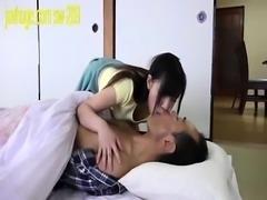 amateur asian gives a blowjob