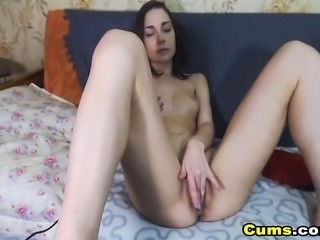 Gorgeous Chick Plays her Tight Pussy