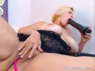 Pretty Hot Milf Chick Makes Herself Pleasure