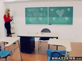 Brazzers - Big Tits at School -  Desperate Fo