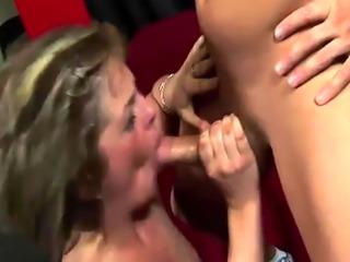 Sexy Isabel deepthroats a massive dick