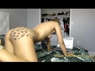 Beautiful Camgirl with Tattooed Butt