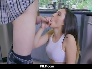 Jaye Summer sucks and fucks her boyfriend