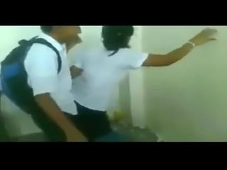 PERU - Colegiales Reguetonean Mientras sus Profes estan en Huelga