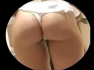 Sexy chica desnuda con gran culo filmado en c&aacute_mara oculta