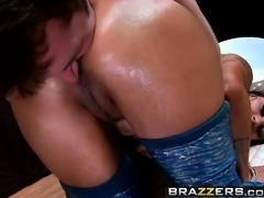 Brazzers - Big Wet Butts -  ZZ TOPless scene