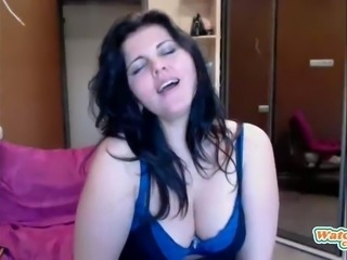Wife cheating and twerking on dildo on webcam