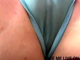 Jamie Linn shows her huge cameltoe to the camera while rubbing it joyf