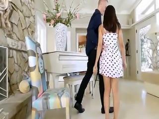 Teen girl webcam sex Small Girl Makes Big Moves