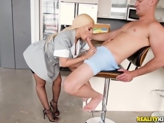 curvy maid luna sucks big dick