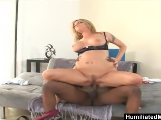Kayla Quinn can't resist a young dude
