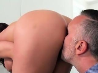 Curvy Wife Ariella Ferrera Pleasures Her Hung Lover