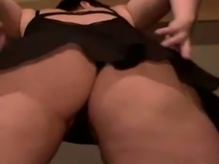 Solo orgasm of an Austrian mom