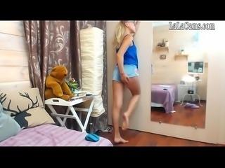 Natural Boobs LaLaCams.com Amazing Girlfriend Plays 01