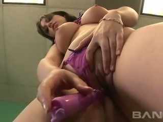 This babe loves masturbating and her ass is beautifully grown and healthy