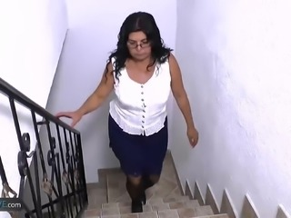 Amateur matures and granny latinas hardcore video compilation