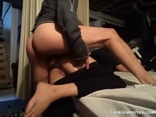 Big ass girlfriend gets dicked hard before bed in the evening