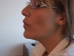 banquiere nymphomane baise avec un representant