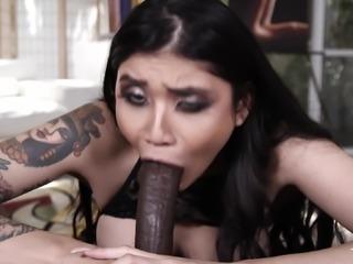 Slut Brenna Sparks having her hot face fucked by Isiah Maxwell