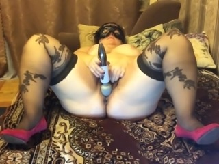 Stretching pussy