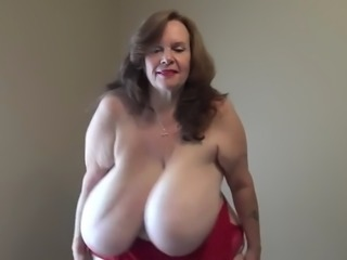 mature bbw shaking and clapping humongous boobs