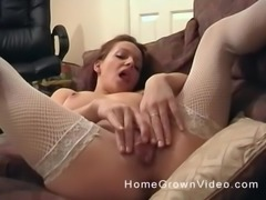 Solo model with natural boobs screwing her pussy using toy