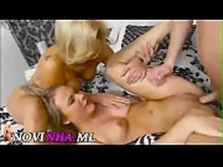 duas safadas fudendo sexo novinha.ml