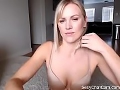 Jasmine Rose orgasms on live cam