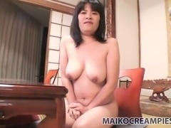 Using wired vibrator Yumiko Todoroki gonna tease her pussy for orgasm