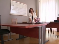 Doctor Anita Bellini shows to a hot guy that anal is not that bad