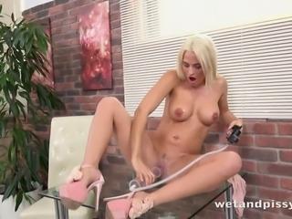 Dildo addicted auburn slut Nicole Vice gonna pump up a bit of her tits