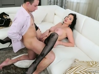 Silvie Sunny loves a good sex and she wants her man to take charge during sex