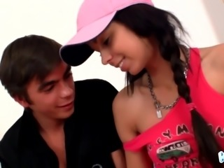 Wearing bright pink tank top Kiki gives dude such a nice ride on top
