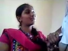 Amateur Desi MILF in pink sari was posing on camera just a bit