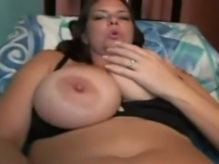 This sex hungry mature woman is proud of her body and you don't see that often