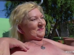 Nanny gets her cunt tasted by a hot cock