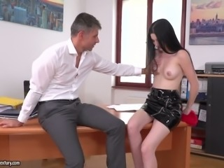 Hot slut Mia Evans is an amazing secretary and her sex game is immaculate