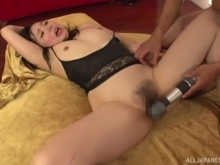 Asian babe with a trimmed cunt opens her legs for a sex session