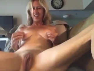 Caught A Grandma, Fucking Her Pussy!