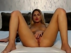 babe steffany777 fingering herself on live webcam