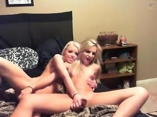 Petite amateur lesbian toying while gf films