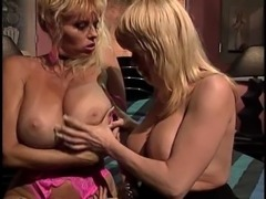 Big ass lesbian fingering her babe juicy pussy seductively