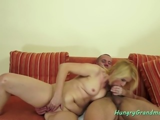 Mature slutty blonde loves to fuck