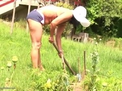 Odette joins a couple of chicks for an outdoor threesome